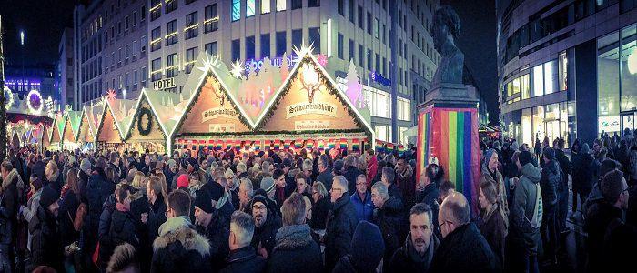 Pinker Weihnachtsmarkt.Pink Monday Weihnachtsmarkt Dusseldorf Inqueery