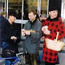 1997: Volker Beck und Ralph Morgenstern sammeln Spenden am Welt-Aids-Tag