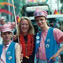 2003: Check Up (Danny und Willi aka E. & P. Laste) mit Bürgermeisterin und Aidshilfe-Vorstandsfrau Elfi Scho-Antwerpes auf der Parade