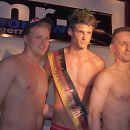 Der Sieger Tom (m.) mit dem Zweitplatzierten Chris (r.) und dem dritten Sieger Martin (l.)   Foto: Mister Sportswear 2011